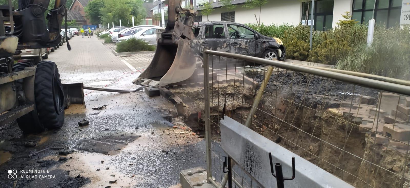 Koparka uszkodziła gazociąg, wybuchł pożar